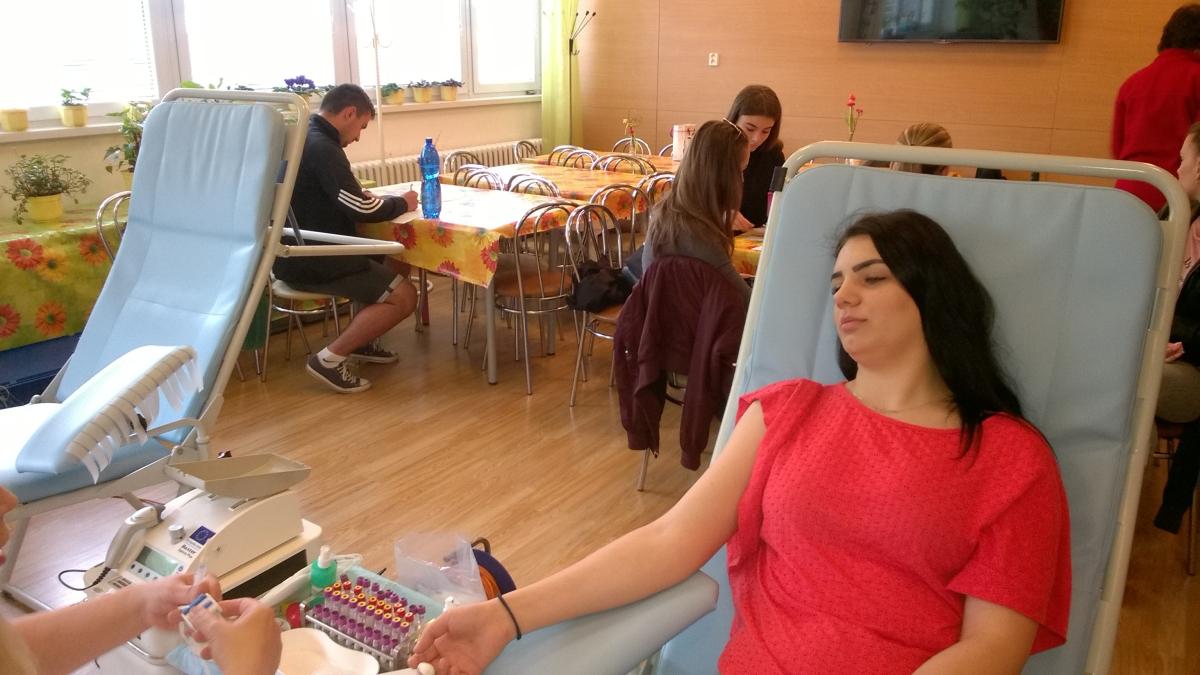 Elbácki darcovia krvi