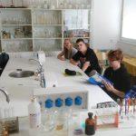 Pokusy z chémie na bilingválke